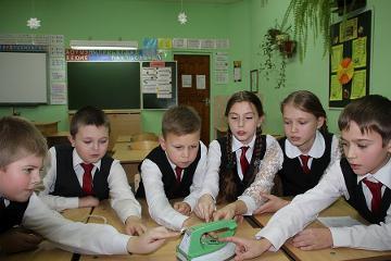 Школьники из Бежаницкого и Порховского районов продемонстрировали лучшие знания правил электробезопасности