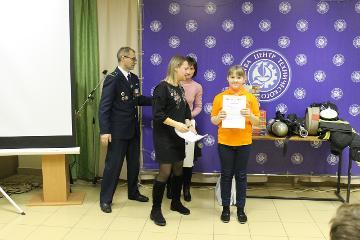 Ученики двух великолукских школ отмечены дипломами «Псковэнерго»